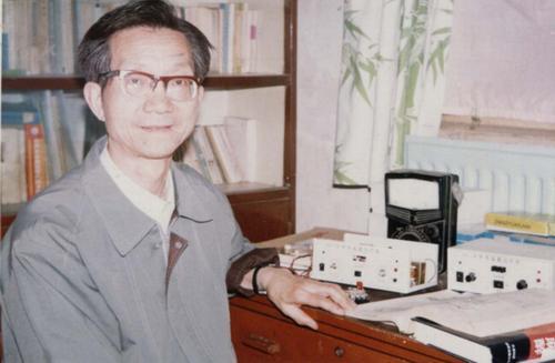 中国人民解放军海军高级工程师张惠民